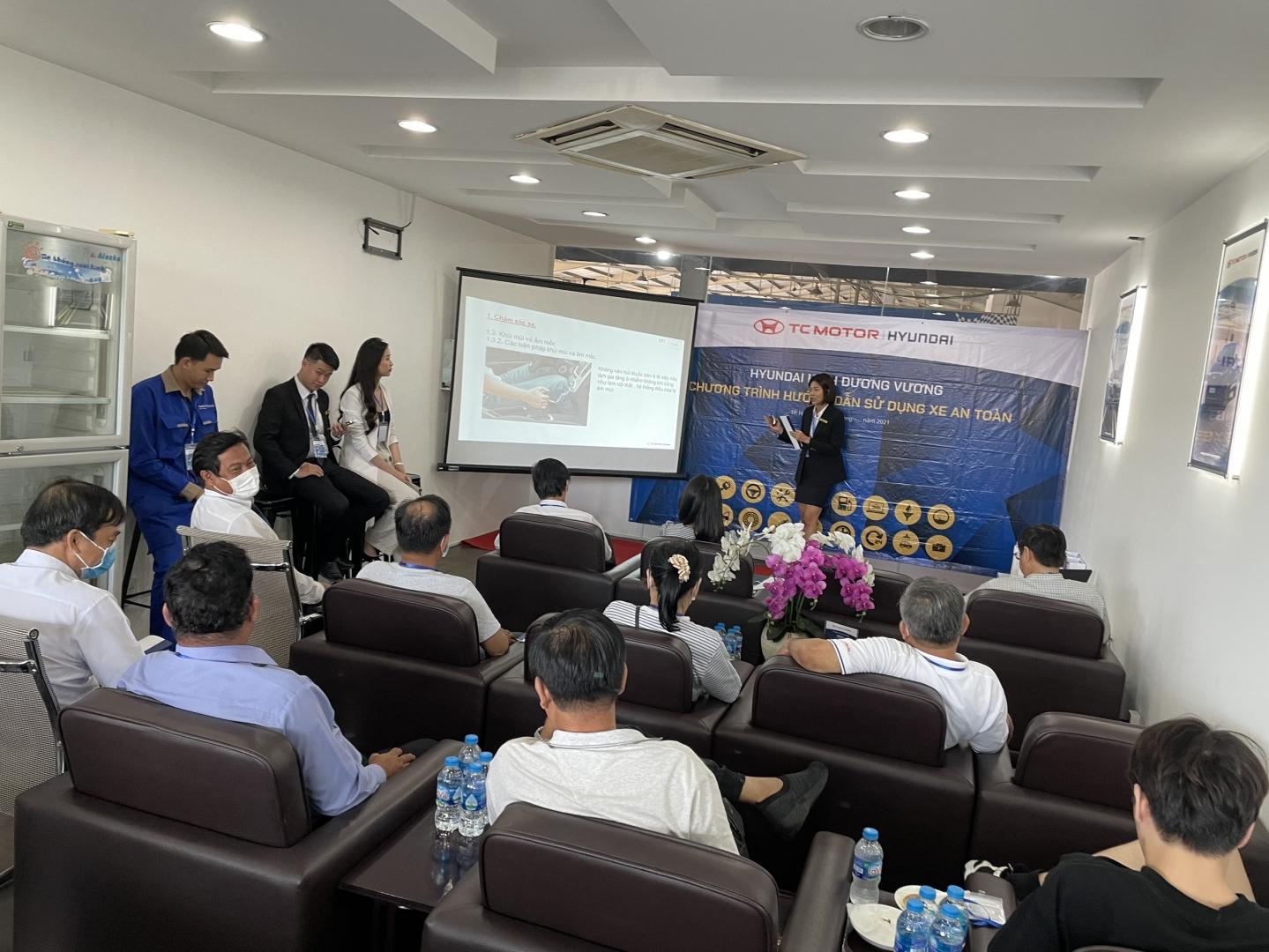 Chương trình  Hướng dẫn sử dụng xe an toàn  tại Hyundai Kinh Dương Vương diễn ra thành công tốt đẹp